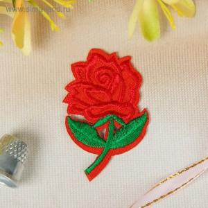 Термоаппликация «Роза», 5 × 3,2 см, цвет красный